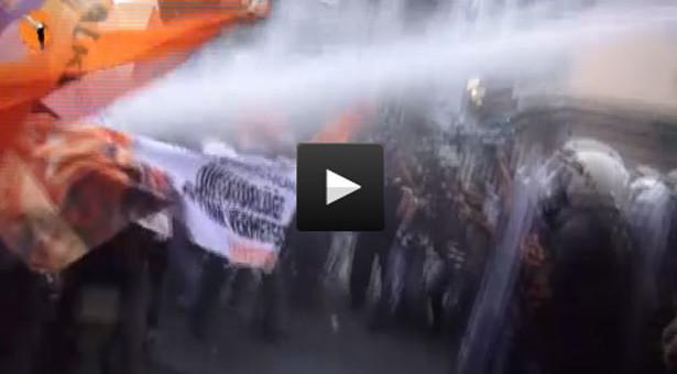 """Çapul TV kamerasından """"Diktatörlüğe meydan vermeyeceğiz"""" eylemi"""